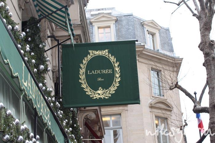 Кондитерская Laduree в Париже