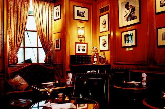 бар Хемингуэя в паласе Ритц