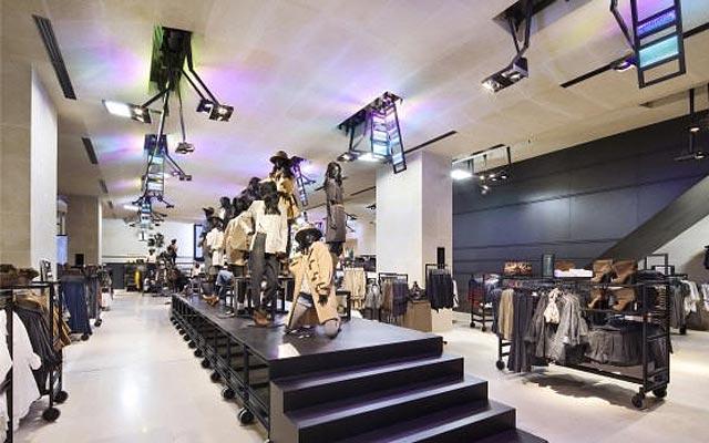 флагманский магазин H&M Париж Елисейские Поляфлагманский магазин H&M Париж Елисейские Поля