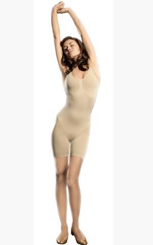 Фото девак в прозрачной одежди без белья фото 53-720