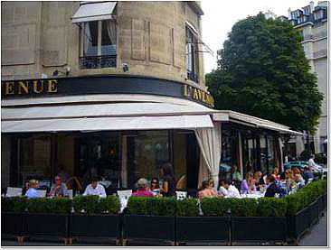 Парижский ресторан l'Avenue