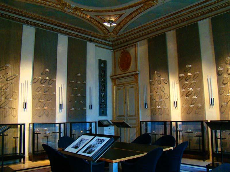 Музей Chaumet на площади Vendome в Париже
