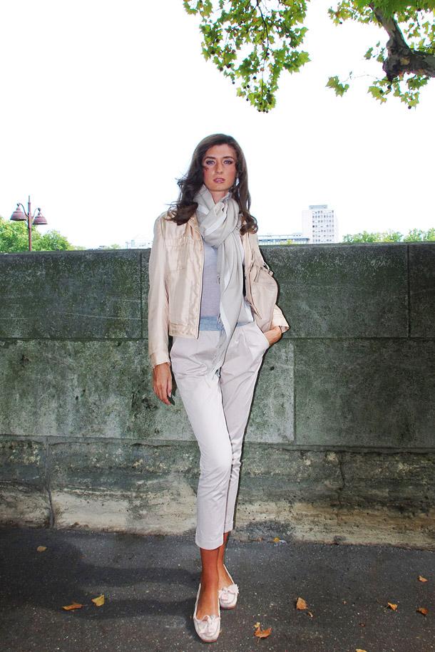 Аня в куртке