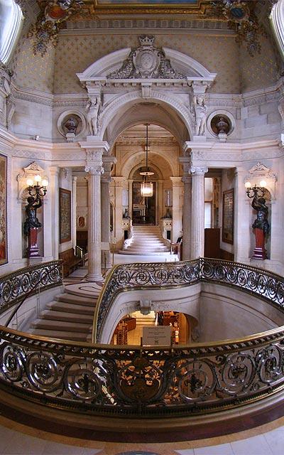 Замок Шантийи (Chantilly), парадная лестница для гостей
