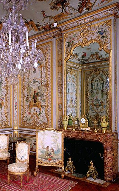 Замок Шантийи (Chantilly), музыкальный салон с обезьянами